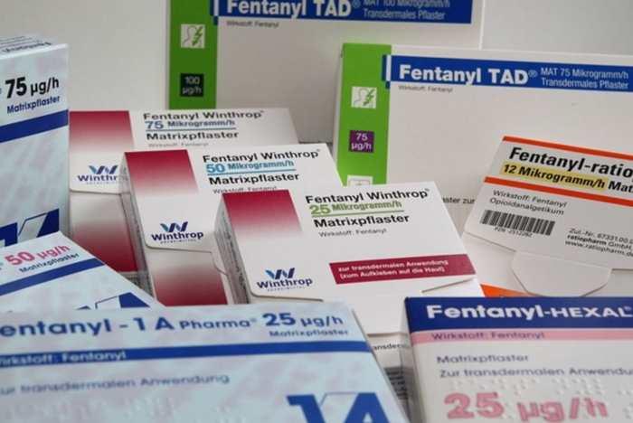 La mort du chanteur Prince à cause d'une overdose du Fentanyl relance le débat sur la prescription effrénée d'analgésiques puissants.