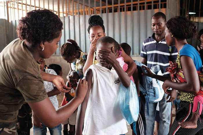 L'Afrique commence à peine à se remettre de l'épidémie de l'Ebola qu'une nouvelle épidémie de fièvre jaune s'est propagé dans le centre du continent.