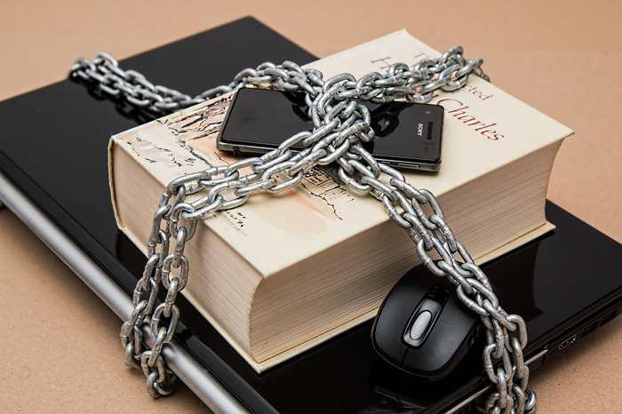 Les Émirats Arabes Unis viennent de voter plusieurs lois qui interdisent totalement l'utilisation des VPN.
