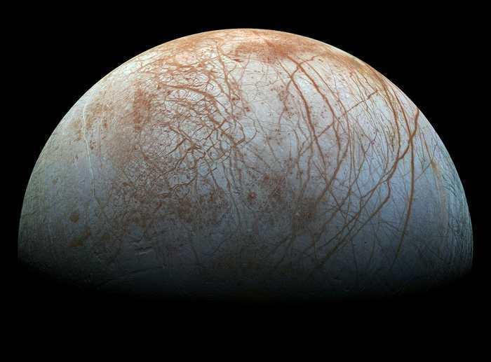 La NASA a annoncé qu'elle tiendra une conférence le 26 septembre 2016 pour des activités surprenantes sur Europa, l'une des lunes de Jupiter.