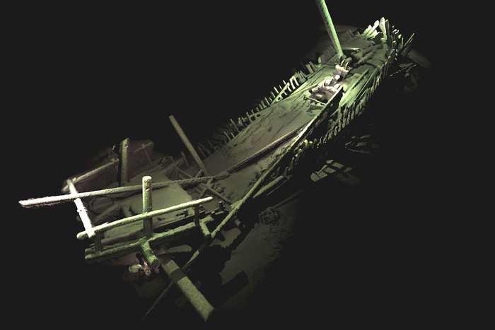 On vient de découvrir des dizaines d'anciennes épaves de navire dans les profondeurs de la Mer Noire. Et la plupart sont dans un excellent état à cause des conditions dans les profondeurs.