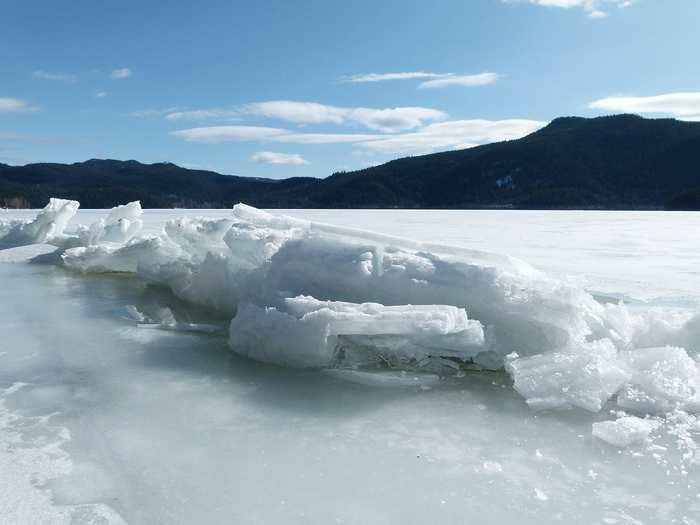 La glaciation de la Terre qui se produit tous les 100 000 ans n'a pas encore été expliquée. Mais des chercheurs suggèrent que c'est le stockage du dioxyde de carbone dans les profondeurs de l'océan qui peuvent déclencher ce phénomène.