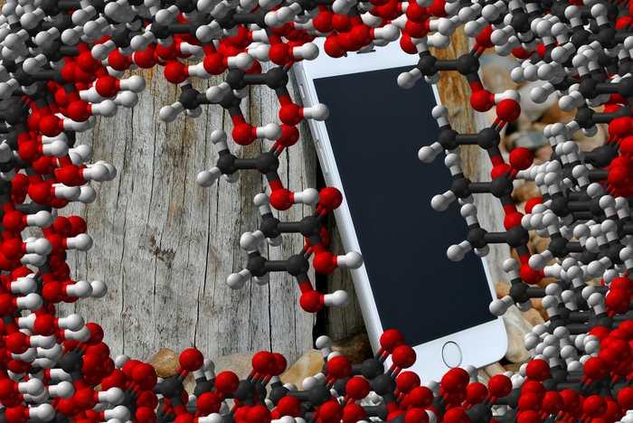 Une recherche démontre qu'on laisse énormément de molécules sur un téléphone. En analysant chacune des substances, les chercheurs ont été capables de créer un profil généraliste de la personne. Ils peuvent dire les produits qu'elle utilise, le temps qu'elle passe à l'extérieur ou si c'est un homme ou une femme.