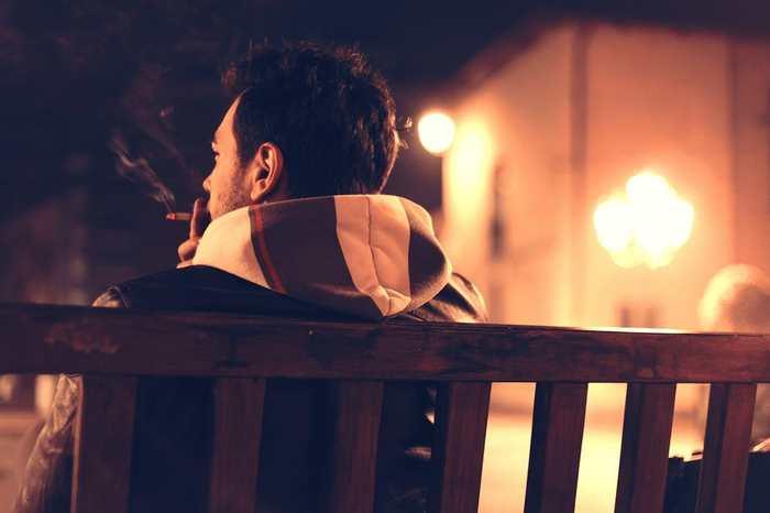 L'héroïne, la cocaïne, la nicotine, les barbituriques et l'alcool sont considérés parmi les substances les plus addictives du monde.