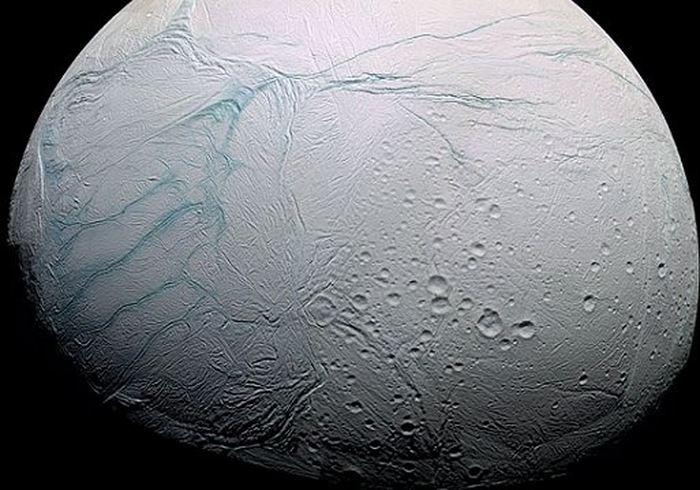 La sonde Cassini a détecté des processus hydrothermaux sur Encélade l'une des lunes de Saturne.