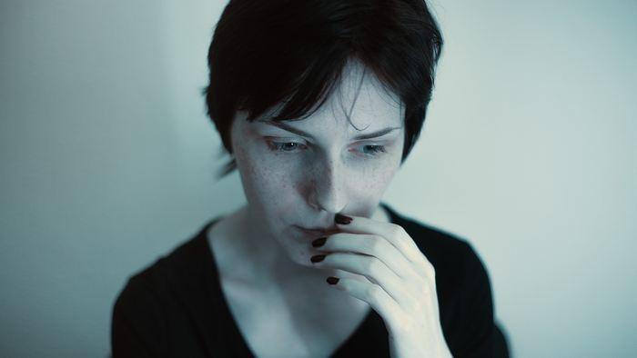 Une étude suggère que la majorité des victimes de viol souffrent d'une paralysie involontaire (immobilité tonique) pendant leur viol.
