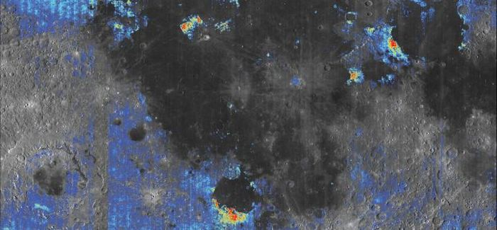 Une carte de la lune analysée par l'étude. Les zones de couleur indique le contenu en eau comparé aux terrains environnants. Les zones jaunes et rouges contiennent le plus d'eau - Crédit : Milliken Lab / Brown University
