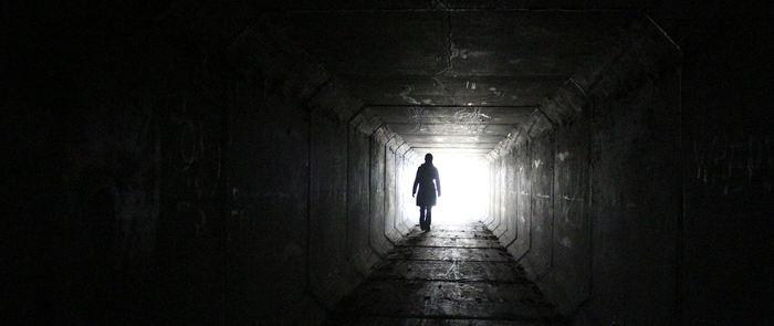 L'American College of Physicians (ACP) maintient son opposition ferme à l'aide au suicide qui consiste à la légalisation du suicide assisté par un médecin. L'ACP estime que les arguments pour le contre sont beaucoup plus convaincants et qu'il faut améliorer l'accès aux soins palliatifs. L'aide au suicide est différent de l'euthanasie.