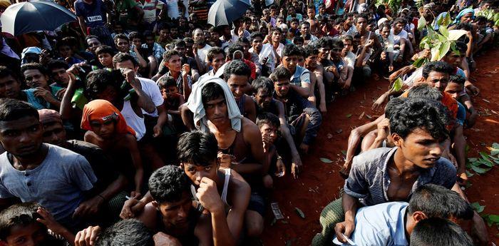 Une histoire de la persécution contre les Rohingyas, une minorité ethnique et religieuse au Myanmar. La discrimination contre ce groupe date de l'époque coloniale et les récents événements montrent qu'un gouvernement démocratique ne veut rien dire face à l'augmentation de la haine.