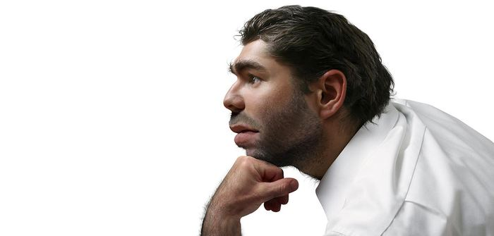 Une recherche suggère qu'il y a de nombreux traits importants des humains modernes qui pourraient être associés à l'ADN du Néandertal. Ainsi, les chercheurs estiment que la couleur des cheveux et le teint de la peau pourraient être un héritage du Néandertal chez les non-Africains, mais l'étude reste limitée par son analyse.