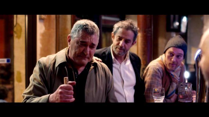 Vive la crise, avec Jean-Marie Bigard est un film largement sous-estimé à mon sens. C'est une oeuvre d'anticipation et les perles dedans sont sublimes.