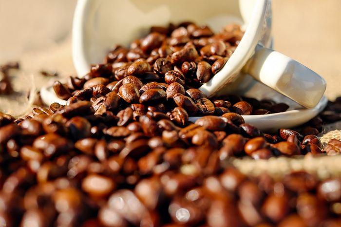 Quand vous suivez aveuglément les âneries de la pseudoscience, alors vous passez comme l'Etat le plus idiot de la planète. La Californie pourrait forcer les vendeurs de café à informer leurs clients que le café est cancérigène.