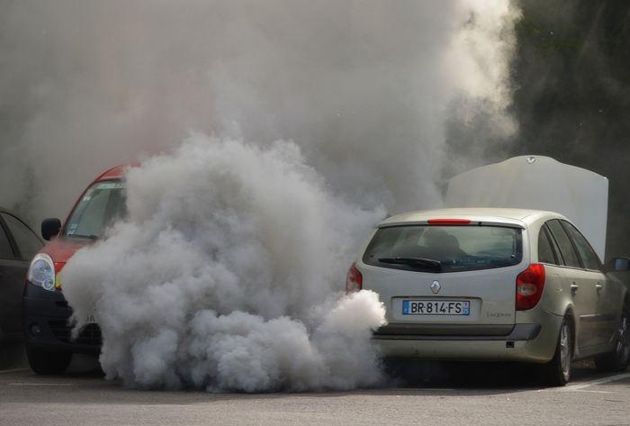 Même une légère augmentation des PM2.5, des particules fines en suspension dans l'air, est associée au développement d'infections aiguës des voies respiratoires inférieures (ALRI) chez les jeunes enfants selon une recherche. L'augmentation des niveaux de PM2.5 a également entraîné une augmentation des visites chez le médecin pour ces infections pulmonaires.