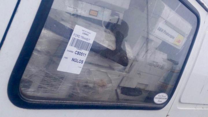 Une voiture d'occasion remplie avec des équipements électroniques usagés dont la majorité ne fonctionnent plus - Crédit : UNU & BCCC-Africa
