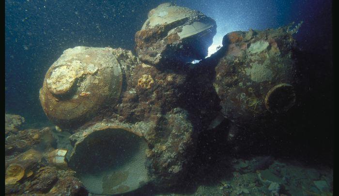 Des céramiques chinoises dans cette épave dans la mer de Java - Crédit : The Field Museum, Anthropology, Photographer Pacific Sea Resources