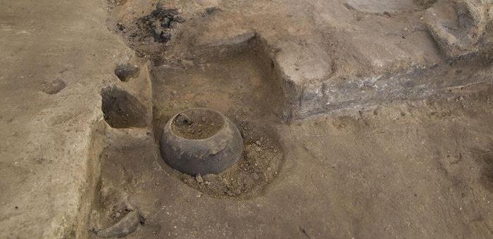 Poterie in situ sur le site archéologique de Çatalhöyük - Crédit : Çatalhöyük Research Project