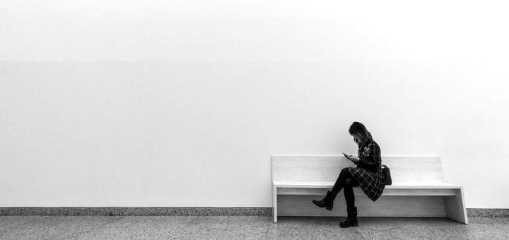 La solitude est devenue un problème de santé publique. On parle d'épidémie mondiale. Mais quand on regarde de plus près, la solitude est foncièrement un problème occidental, notamment dans les pays qui privilégient une approche individualiste.