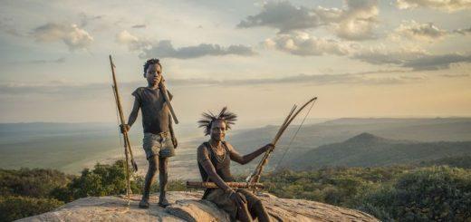 Dans une étude de 6 ans des Hadza, un peuple de chasseur-cueilleur, on découvre que le partage est davantage un concept contagieux plutôt qu'une caractéristique innée pour chaque groupe. Les personnes partagent selon le groupe auxquels ils appartiennent.