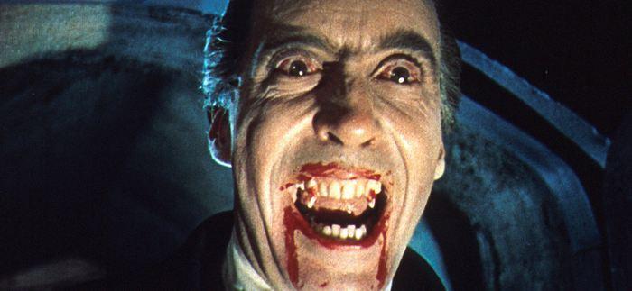 Christopher Lee dans le Dracula de 1958 - Crédit : Rex Features
