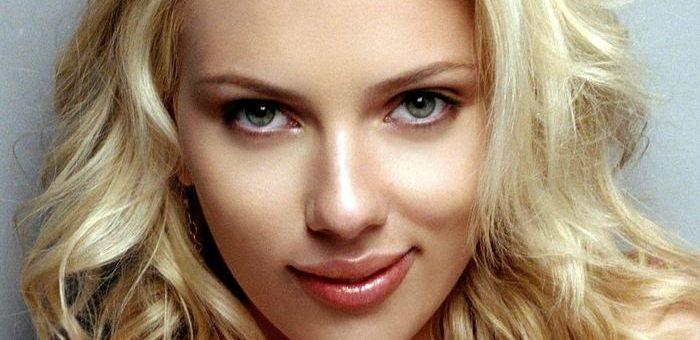 Scarlett Johansson estime qu'il est inutile de lutter contre les vidéos DeepFake, car les lois sur le droit d'auteur sont totalement inefficaces pour le moment. Elle ajoute qu'internet est un lieu de dépravation et qu'il y a des choses bien pires sur la toile.