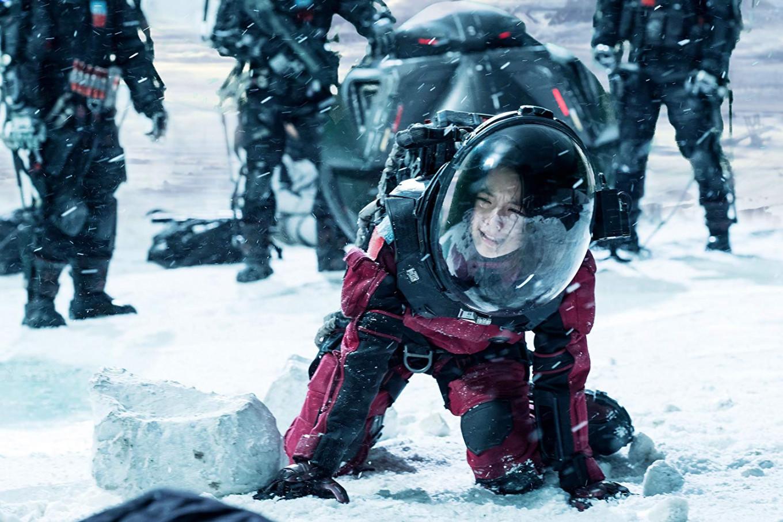 Avec la pléthore de films de Comics, les gens sont saturés par un genre unique. Mais en février 2019, le plus gros succès au Box office est The Wandering Earth, un film chinois. Cela montre que la Chine donne le tempo dans les productions culturelles et qu'elle n'a rien à envier aux productions américaines.