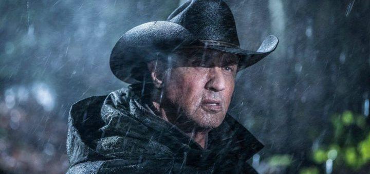 Rambo 5 sortira le 20 septembre 2019. Il aura une belle concurrence à cette époque, mais les fans inconditionnels seront au rendez-vous. Sylvester Stallone se retire progressivement du cinéma, car Creed II a dit adieu à Rocky Balboa et ce Rambo 5 tire la révérence sur John Rambo.