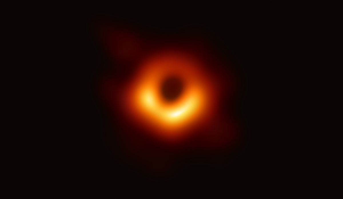 La première image d'un trou noir - Crédit : Event Horizon Telescope