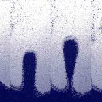 """Développement d'une """"bulle"""" de sable plus léger (bleu) se formant dans un sable plus lourd (blanc) - Crédit : Alex Penn/ETH Zurich"""