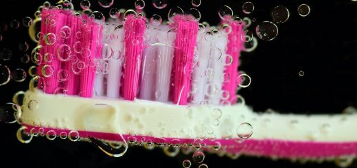 L'hygiène dentaire existe depuis l'antiquité. Un petit historique de cette pratique millénaire.