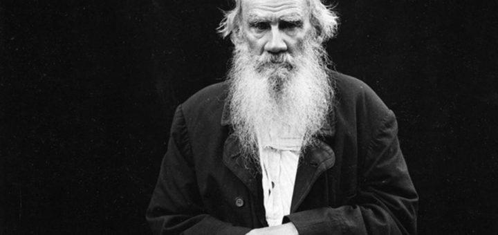 Tolstoï photographié par Karl Bulla en 1902 - Crédit : Wikipedia