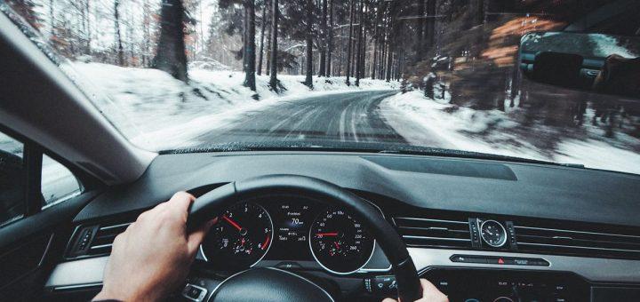 Une recherche montre que le cannabidiol (CBD) est sans danger pour la conduite automobile et que les effets du THC s'estompent en quelques heures.
