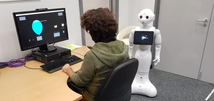 Research shows that when there is a robot that encourages risky behavior, most people do it without too much hesitation. This poses problems on the power of influence and suggestion by algorithms and artificial intelligences like Siri or Google Home.