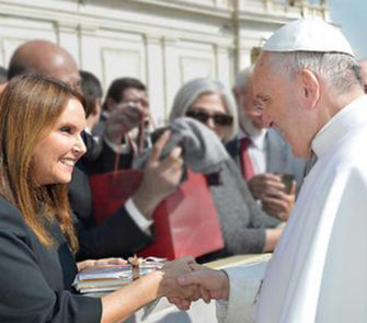 Shari Arison Meets Pope for Good Deeds Day