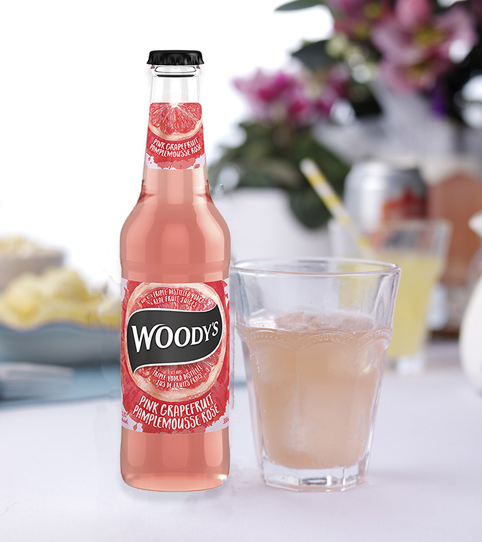 Woodys bottle lifestyle 960px