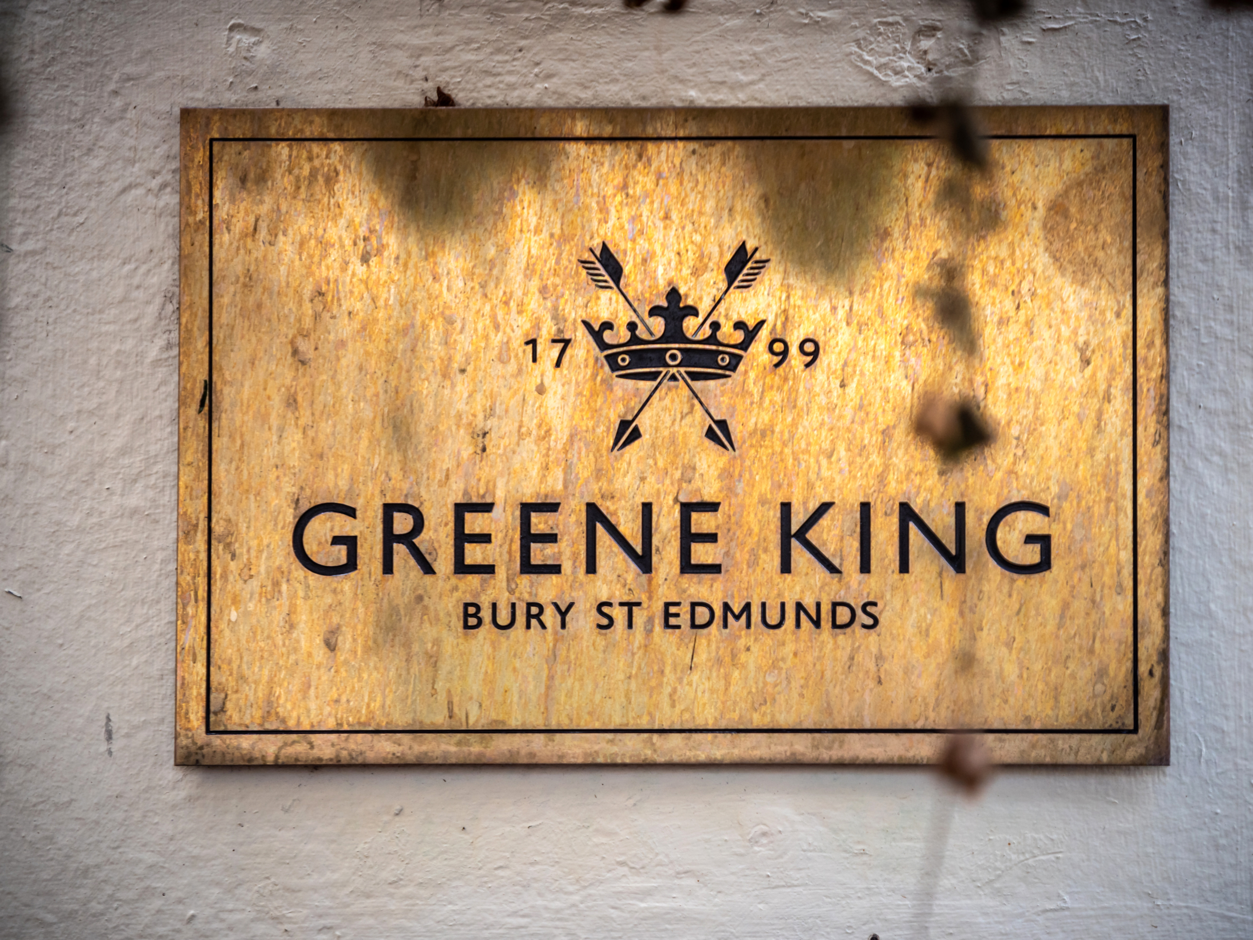 Greene King to rename pubs over 'links to racism'