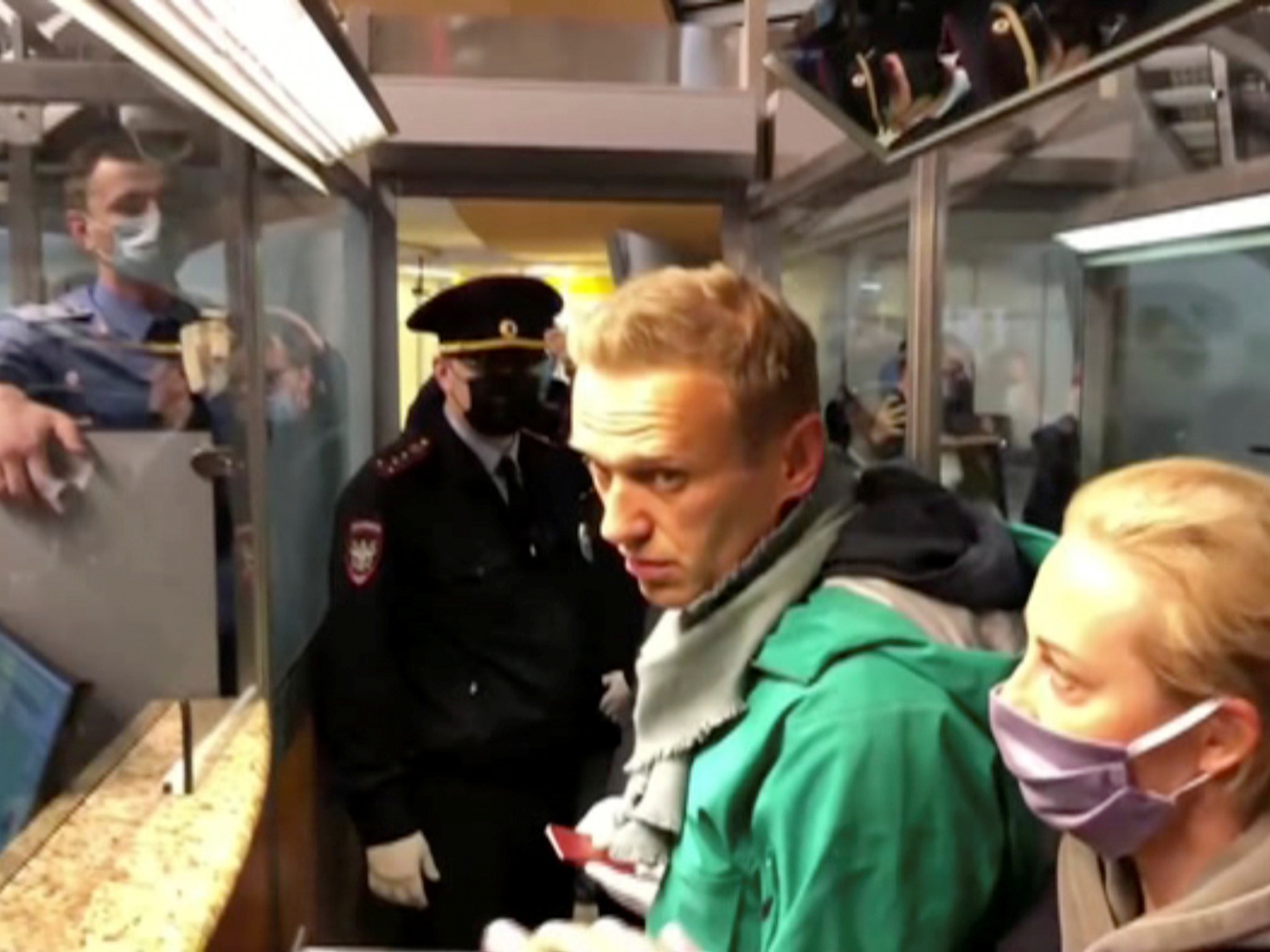 Alexei Navalny: UK calls for immediate release of Putin critic after 'appalling' arrest