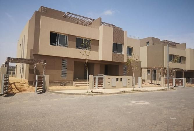Townhouse 240㎡ For Sale in Palm Hills   Palm Valley