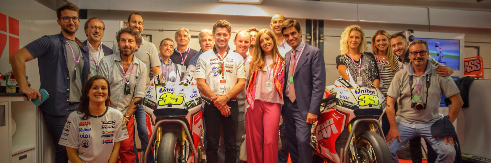 MotoGP-Hospitality-Pit-garage-box
