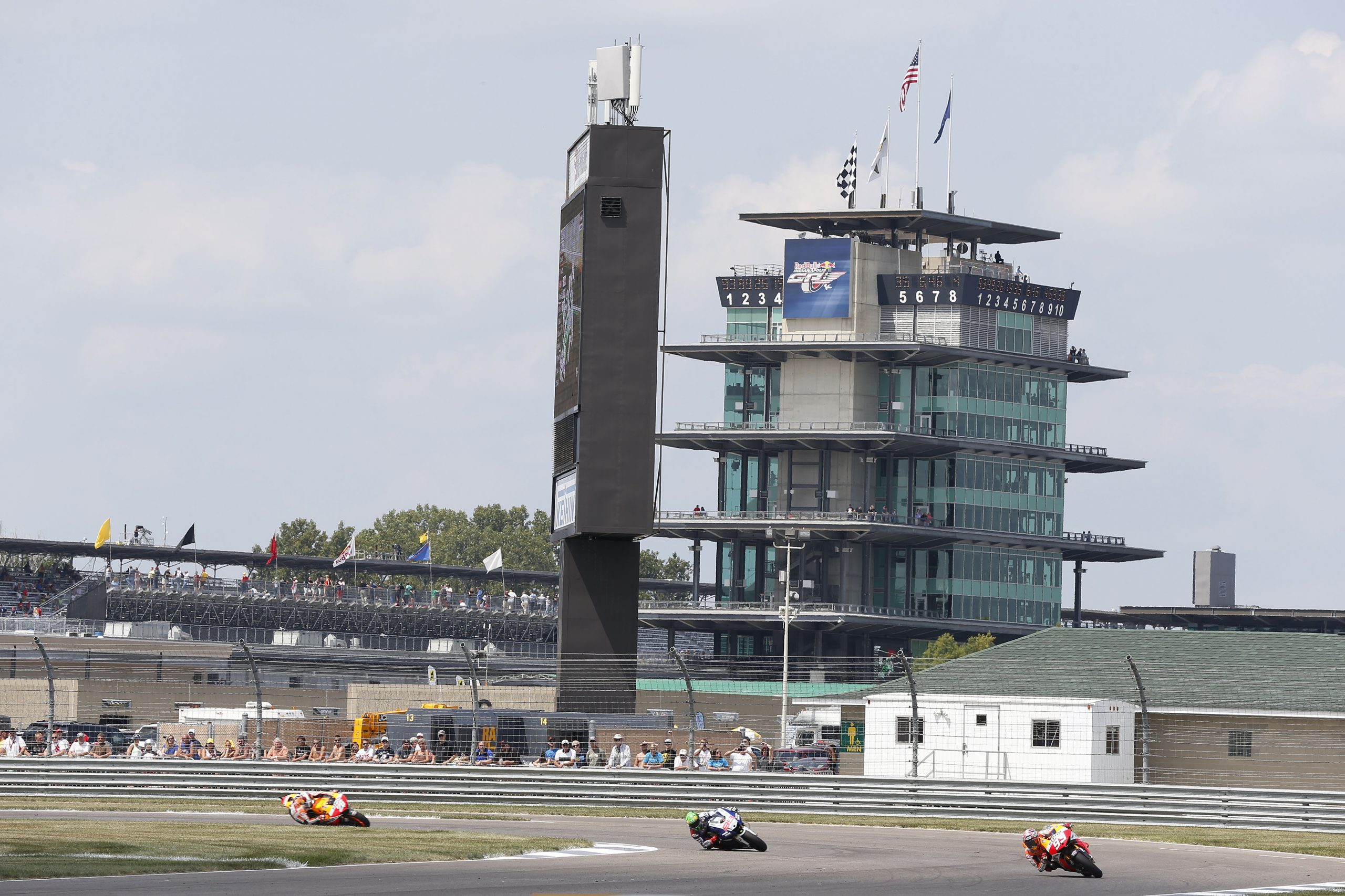 2013-R10-RACE-Pic-6