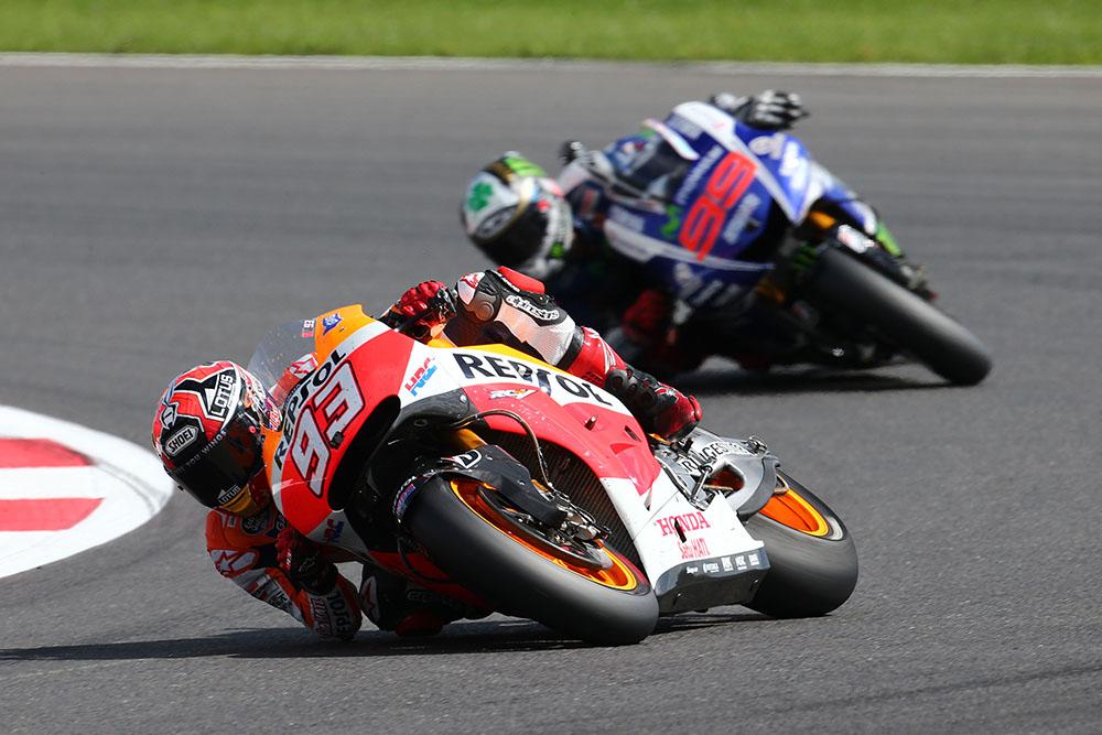 MotoGP-silverstone-2014-marquez-lorenzo