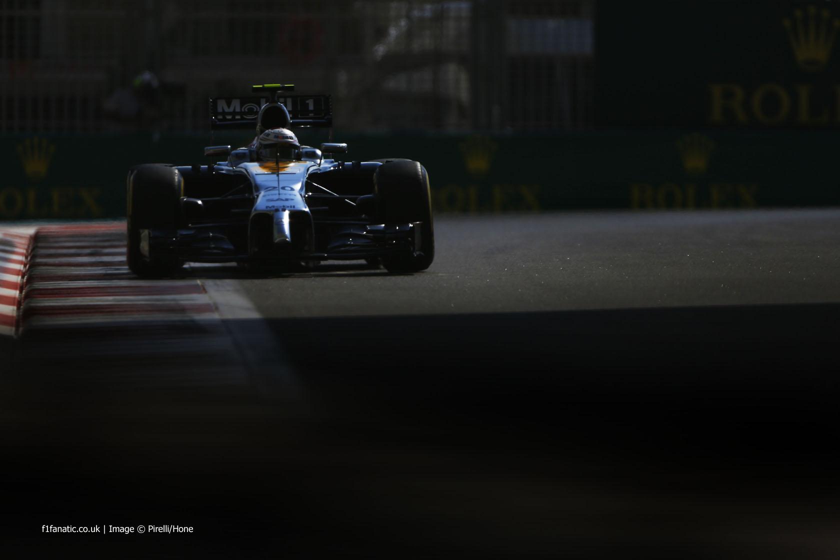Kevin Magnussen, McLaren, Yas Marina, 2014