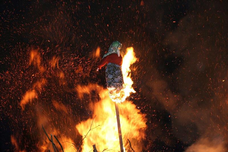 paleni-carodejnic-ceske-tradice