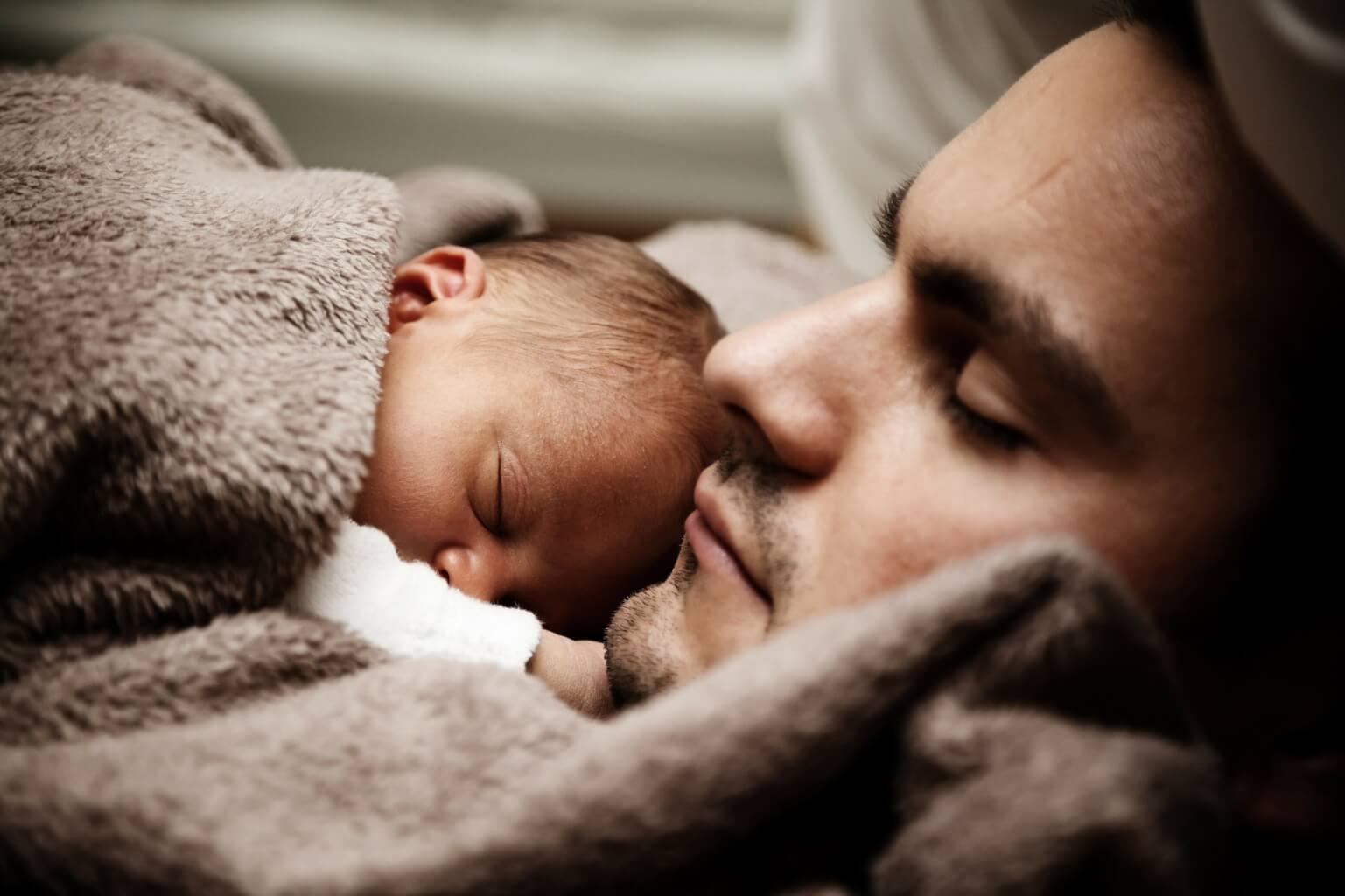 Muž s dítětem