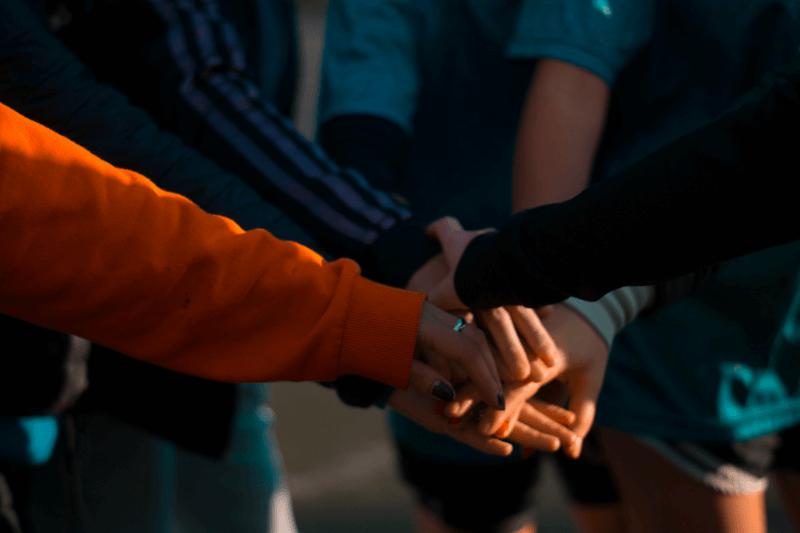 cooperation-spolupráce-tým-team