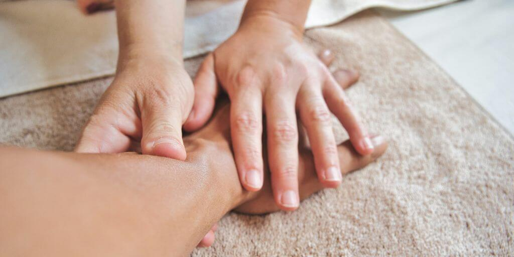 masáž ruka