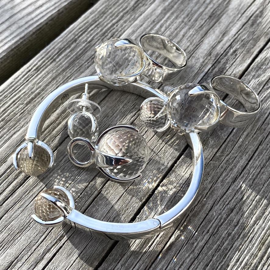 Silversmycken med bergskristall. Silver jewellery with crystal quartz