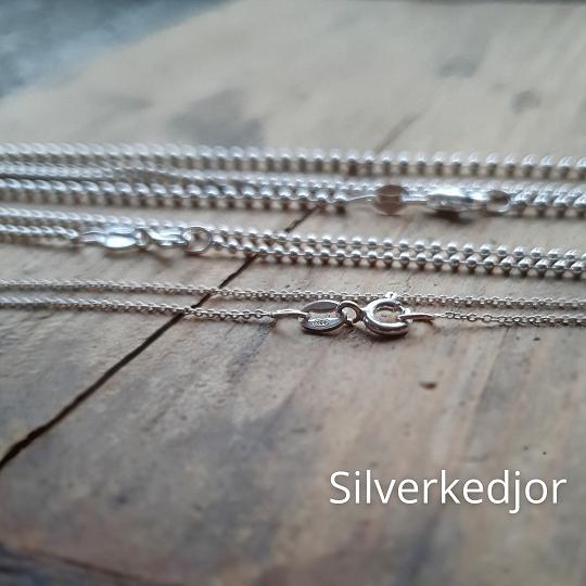 Kedjor i silver