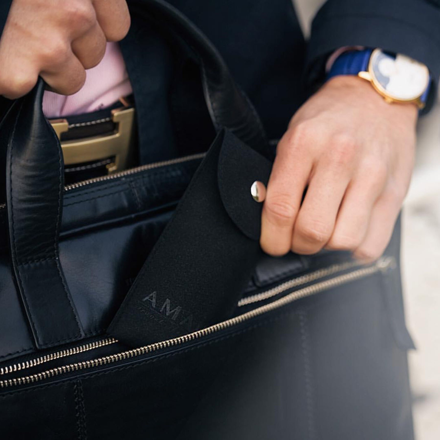 Amant watches stockholm