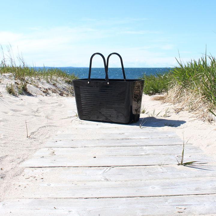 svart väska perstorp design
