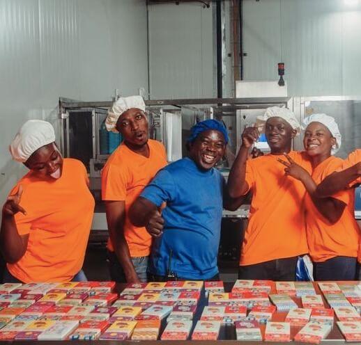 Fairafric: en ny fabrik, ännu godare choklad och glada anställda.